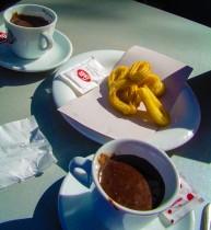Churros con chocolate à Séville