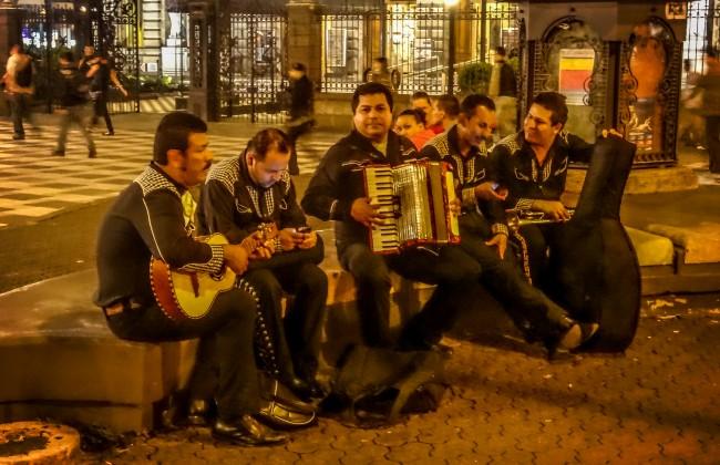 Des musiciens à San José