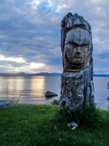 Sculpture sur les rives du lac