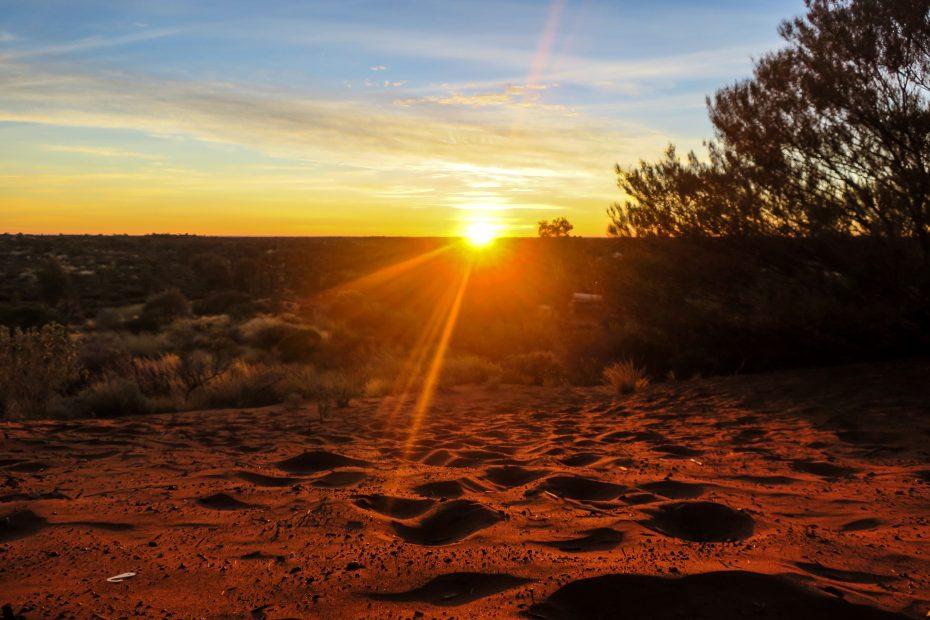 L'aube à Uluru