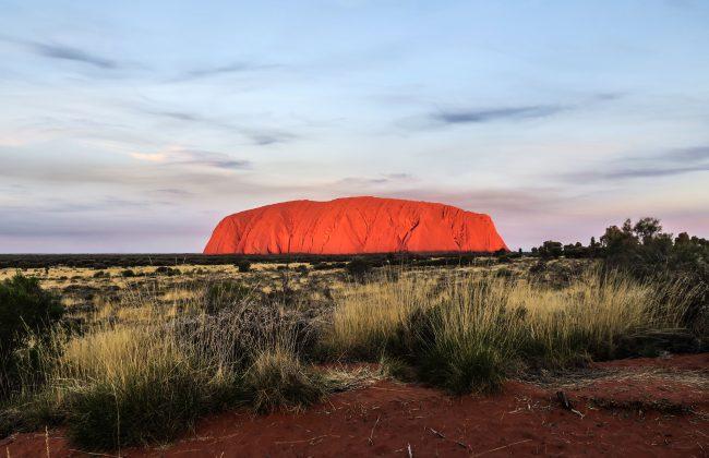 Uluru au crépuscule
