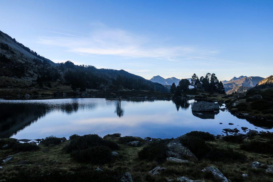 Pyrénées dans l'aube