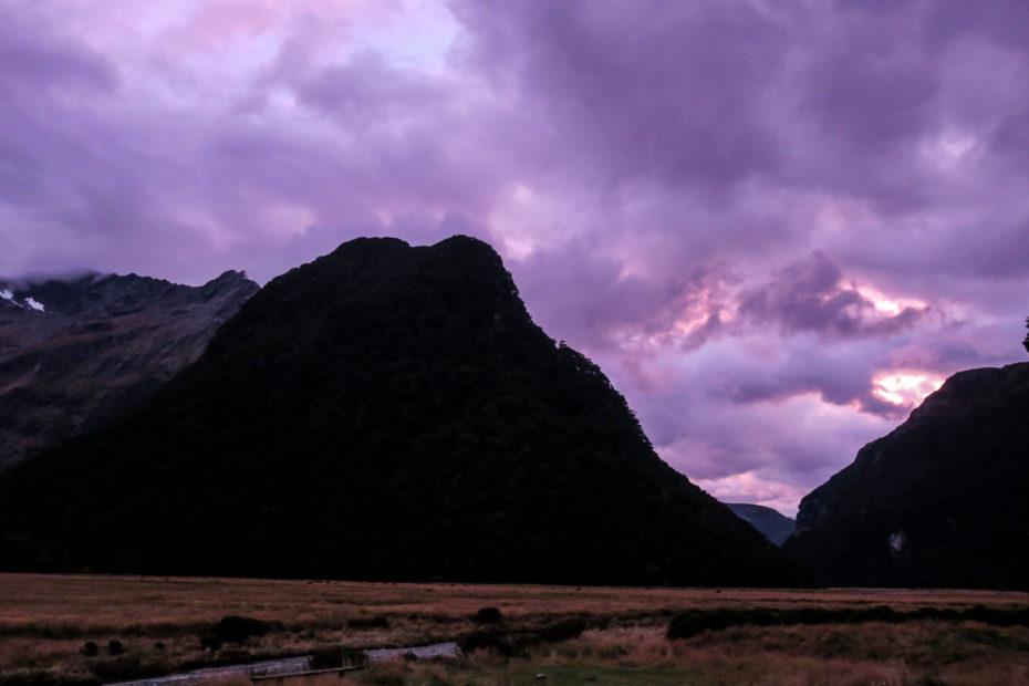 Levé de soleil violet