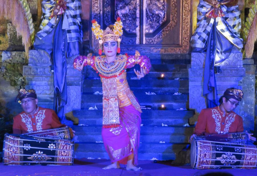 Danse Legong, Ubud