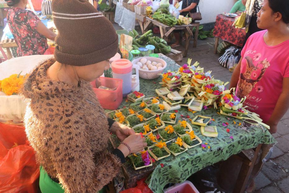 Marché traditionnel d'Ubud, les offrandes